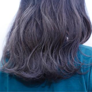 ストリート ミディアム ブリーチ ダブルカラー ヘアスタイルや髪型の写真・画像
