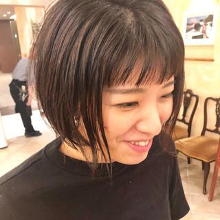 モード ショートバング 前髪パッツン ショートバング ヘアスタイルや髪型の写真・画像