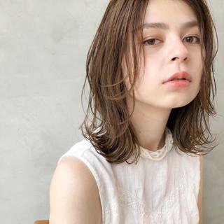 小顔 夏 オフィス ブラウン ヘアスタイルや髪型の写真・画像