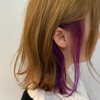 ナチュラル ミルクティーベージュ ミディアム バイオレット ヘアスタイルや髪型の写真・画像