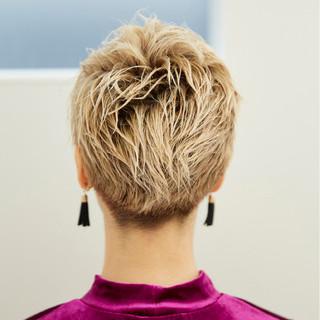 外国人風カラー モード ブリーチ 金髪 ヘアスタイルや髪型の写真・画像