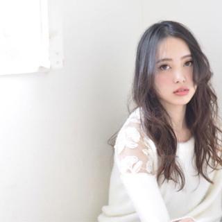 フェミニン モテ髪 ロング ナチュラル ヘアスタイルや髪型の写真・画像