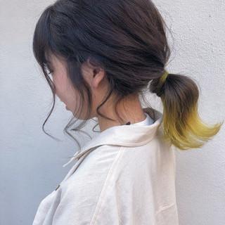 ハイライト イエロー インナーカラー ミディアム ヘアスタイルや髪型の写真・画像