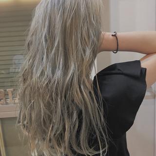 バレイヤージュ ハイライト ロング 3Dハイライト ヘアスタイルや髪型の写真・画像