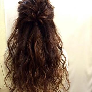 ロング ハーフアップ フェミニン 大人かわいい ヘアスタイルや髪型の写真・画像