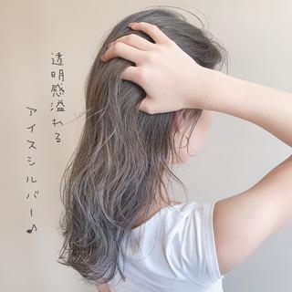 ガーリー ハイライト ブリーチ ミルクティーグレージュ ヘアスタイルや髪型の写真・画像