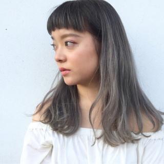 ワイドバング セミロング リラックス アンニュイ ヘアスタイルや髪型の写真・画像