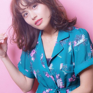 大人かわいい ゆるふわ フェミニン パーマ ヘアスタイルや髪型の写真・画像