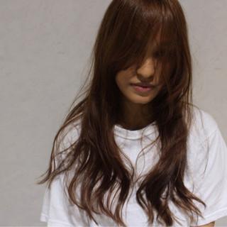 レイヤーカット 外国人風 ロング ゆるふわ ヘアスタイルや髪型の写真・画像
