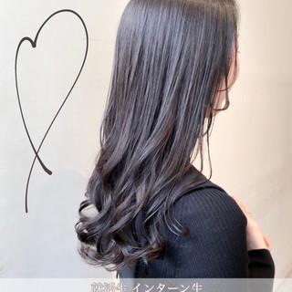 ミルクティーグレージュ 暗髪 透明感カラー グレージュ ヘアスタイルや髪型の写真・画像