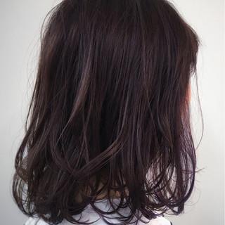 アッシュ パープル インナーカラー ミディアム ヘアスタイルや髪型の写真・画像