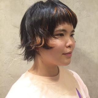 ウルフカット ショート 外ハネ マッシュ ヘアスタイルや髪型の写真・画像