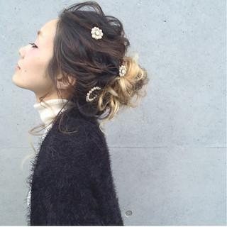ヘアアレンジ セミロング ガーリー 大人かわいい ヘアスタイルや髪型の写真・画像