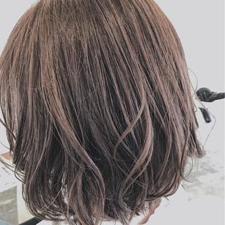 ニュアンス ウェーブ アッシュ アンニュイ ヘアスタイルや髪型の写真・画像