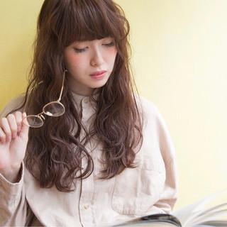 セミロング 外国人風 ウェットヘア ゆるふわ ヘアスタイルや髪型の写真・画像 ヘアスタイルや髪型の写真・画像