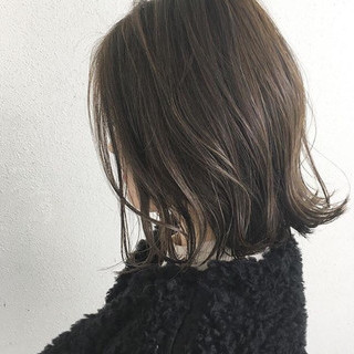 ハイライト ナチュラル ボブ 切りっぱなし ヘアスタイルや髪型の写真・画像 ヘアスタイルや髪型の写真・画像