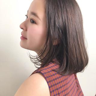 デート オフィス アンニュイほつれヘア ナチュラル ヘアスタイルや髪型の写真・画像