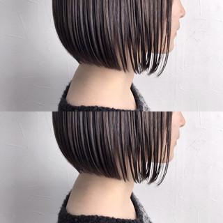 ナチュラル 暗髪 ウェットヘア まとまるボブ ヘアスタイルや髪型の写真・画像