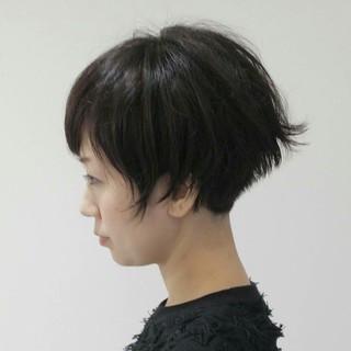 ショート 暗髪 冬 モード ヘアスタイルや髪型の写真・画像 ヘアスタイルや髪型の写真・画像