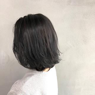 ボブ ブルージュ 外ハネ 艶髪 ヘアスタイルや髪型の写真・画像