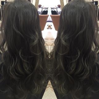 グラデーションカラー ナチュラル ハイライト アッシュ ヘアスタイルや髪型の写真・画像