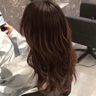 バレイヤージュ 外国人風カラー デート セミロング ヘアスタイルや髪型の写真・画像