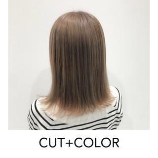 ヌーディベージュ 切りっぱなしボブ 外国人風カラー ボブ ヘアスタイルや髪型の写真・画像