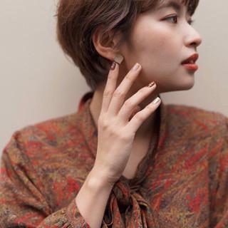 オレンジベージュ ショート ブラウンベージュ ナチュラル ヘアスタイルや髪型の写真・画像