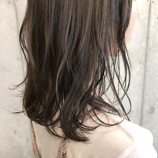 ヘアカラー ミディアム 透明感カラー ナチュラル ヘアスタイルや髪型の写真・画像