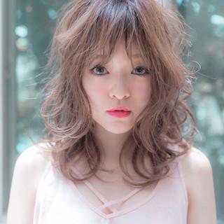 フェミニン 外国人風カラー 巻き髪 大人可愛い ヘアスタイルや髪型の写真・画像