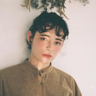ミディアム ヘアアレンジ アンニュイほつれヘア 簡単ヘアアレンジ ヘアスタイルや髪型の写真・画像