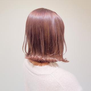 ボブ 透明感カラー ピンクベージュ 切りっぱなしボブ ヘアスタイルや髪型の写真・画像