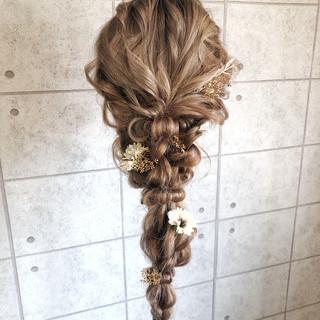 編みおろし ヌーディベージュ ロング ヘアアレンジ ヘアスタイルや髪型の写真・画像