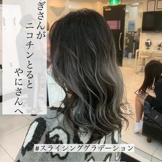 グレージュ ハイライト ローライト セミロング ヘアスタイルや髪型の写真・画像