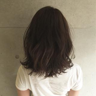 アッシュ ミディアム 外国人風 大人かわいい ヘアスタイルや髪型の写真・画像