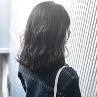 前髪 アッシュグレージュ ナチュラル グレージュ ヘアスタイルや髪型の写真・画像