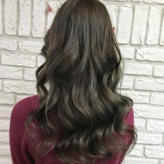 外国人風 アッシュ グレージュ ガーリー ヘアスタイルや髪型の写真・画像 ヘアスタイルや髪型の写真・画像