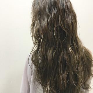 ストリート 外国人風 暗髪 ロング ヘアスタイルや髪型の写真・画像