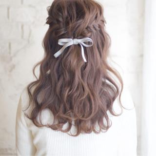 ヘアアレンジ 結婚式 大人かわいい セミロング ヘアスタイルや髪型の写真・画像