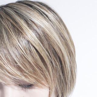 大人ハイライト グレージュ ナチュラル ハイライト ヘアスタイルや髪型の写真・画像