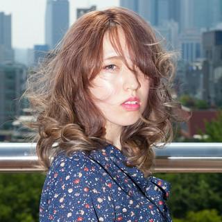 ミディアム デジタルパーマ 韓国 デート ヘアスタイルや髪型の写真・画像