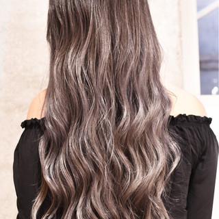 グラデーションカラー ナチュラル ロング ハイライト ヘアスタイルや髪型の写真・画像