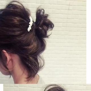 お団子 ヘアアレンジ ショート ラフ ヘアスタイルや髪型の写真・画像