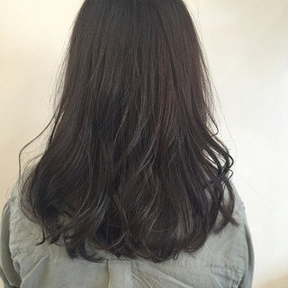 グレージュ 暗髪 大人かわいい ストリート ヘアスタイルや髪型の写真・画像