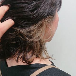 ミルクティーベージュ デザインカラー グレージュ インナーカラー ヘアスタイルや髪型の写真・画像