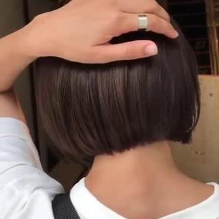ナチュラル ウェットヘア アッシュグレージュ インナーカラー ヘアスタイルや髪型の写真・画像