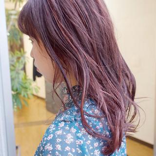 ハイライト ミディアム ナチュラル レッド ヘアスタイルや髪型の写真・画像