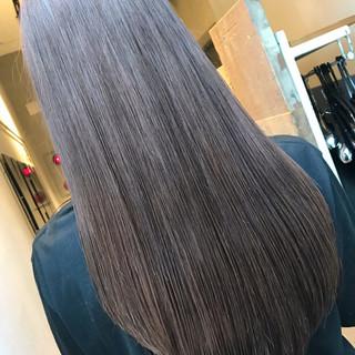 ストレート グレージュ ロング ナチュラル ヘアスタイルや髪型の写真・画像