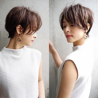 ストレート 大人かわいい 小顔 ショート ヘアスタイルや髪型の写真・画像