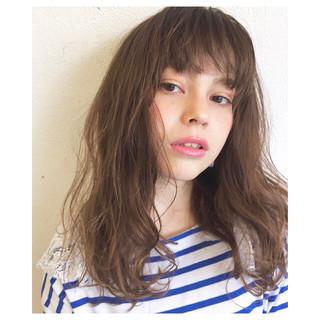 ナチュラル パーマ ウェーブ 外国人風 ヘアスタイルや髪型の写真・画像 ヘアスタイルや髪型の写真・画像